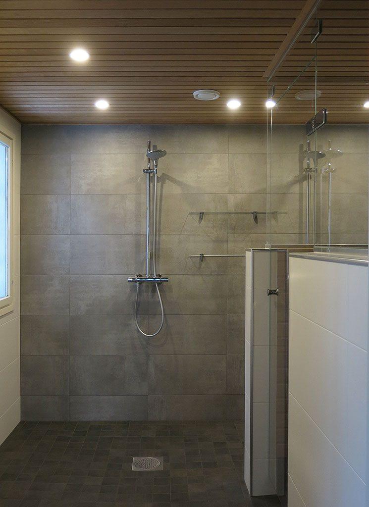 Upea, tunnelmallinen kylpyhuone