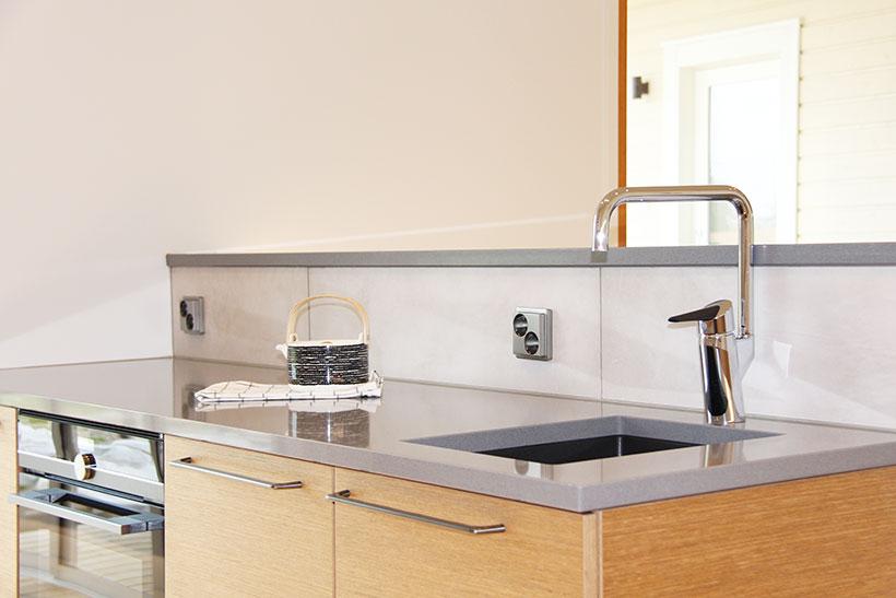 Toinen vesipiste tuo keittiöön toimivuutta